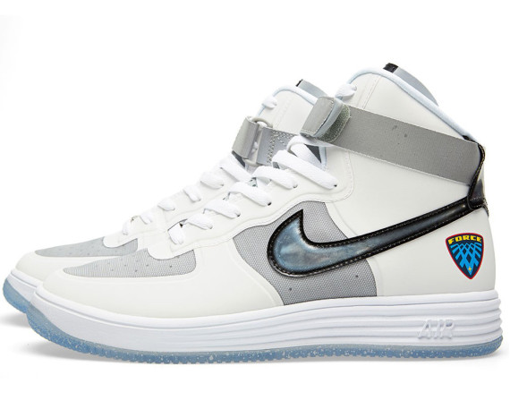 nike-lunar-force-1-high-wow-qs-632359-100-02-570x457