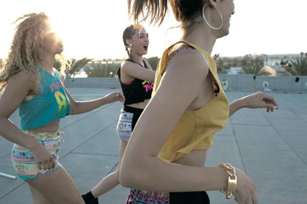 stussy-women-spring-summer-2014-lookbook-02