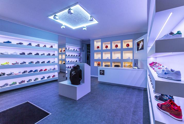 43einhalb_sneaker_store_Fulda-21